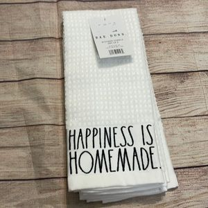 Rae Dunn Kitchen Towels Set of 2 NWT